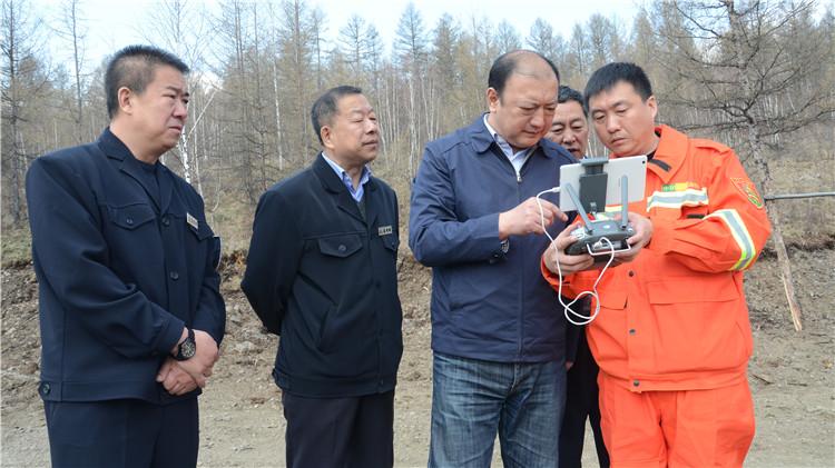 闫宏光在满归 阿龙山 金河林业局和汗马自然保护区检查指导森林防火工作