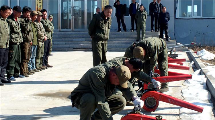 金河林业局贮木场开展扑火机具使用培训活动