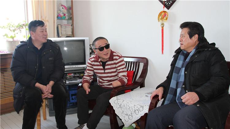 乌局慰问伤残军人.jpg