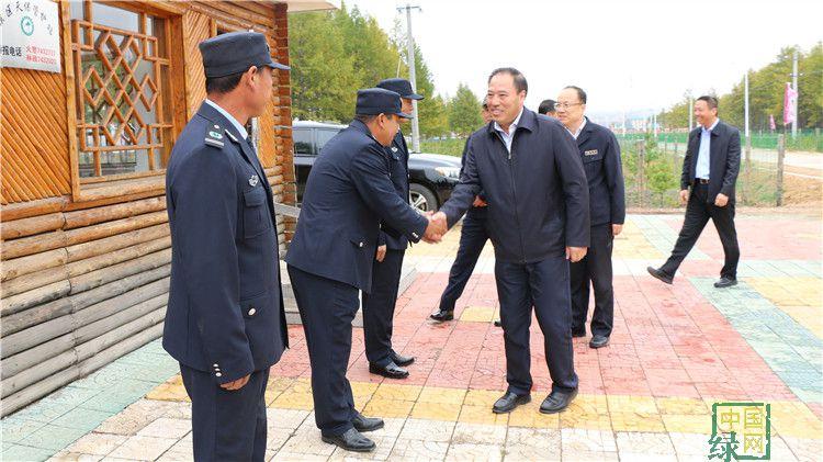 陈佰山到绰源林业局调研指导