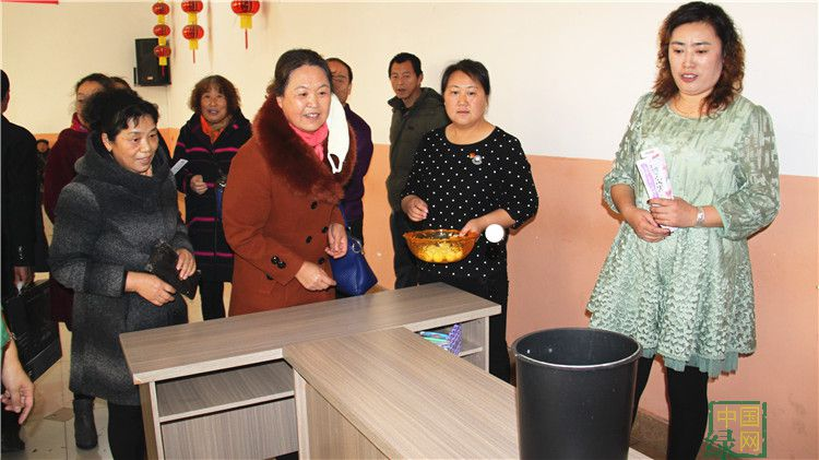 绰尔林业局工会为退休职工举办重阳节趣味活动