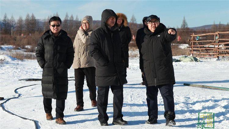 蔚治国到中国冷极村调研指导旅游工作