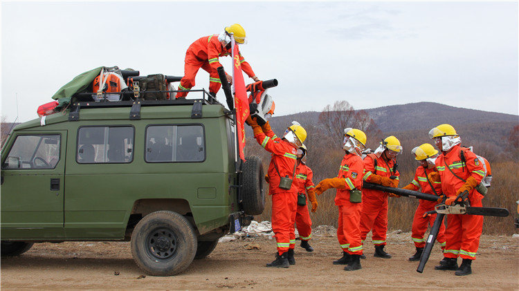 绰源林业局森林防火指挥部组织组织开展防火集结演练