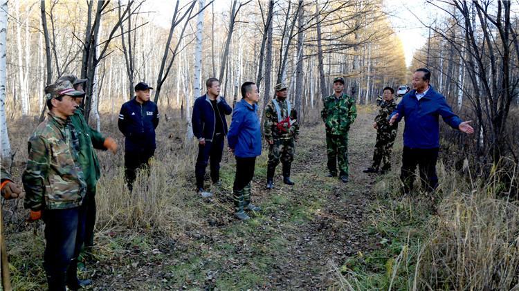 克一河林业局现地指导景观林抚育工作