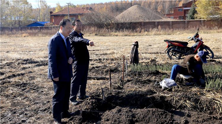 绰源林业局看望慰问国庆期间坚守岗位的职工
