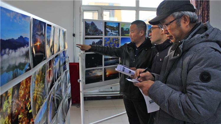 毕拉河林业局工会举办第四届职工摄影展