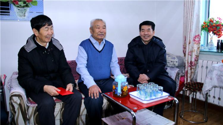 莫尔道嘎林业局开展节前慰问活动