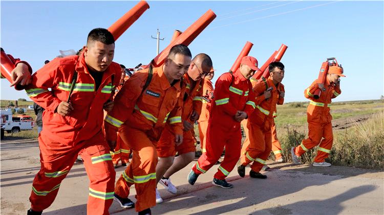 """大杨树林业局举办""""中国梦·劳动美""""防灭火队员职业技能比赛"""