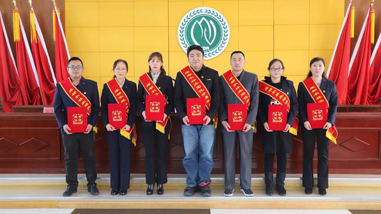 【今天记者节,向他们致敬!】林区多地庆祝第二十个中国记者节