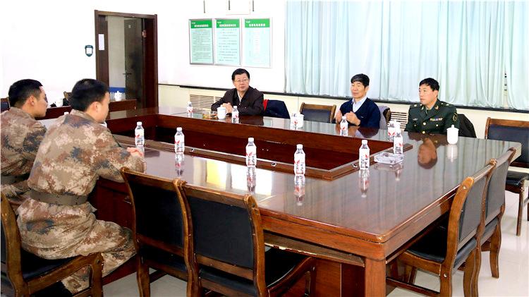 莫尔道嘎林业局慰问驻在部队