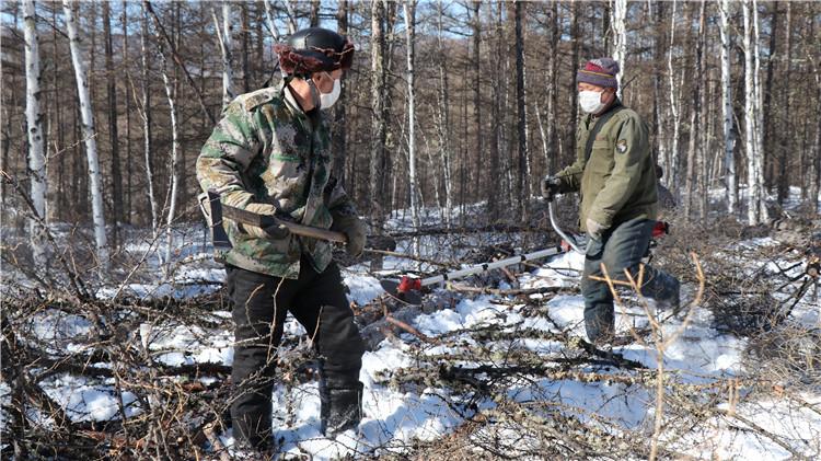 阿龙山林业局疫情防控和复工复产统筹抓、两不误