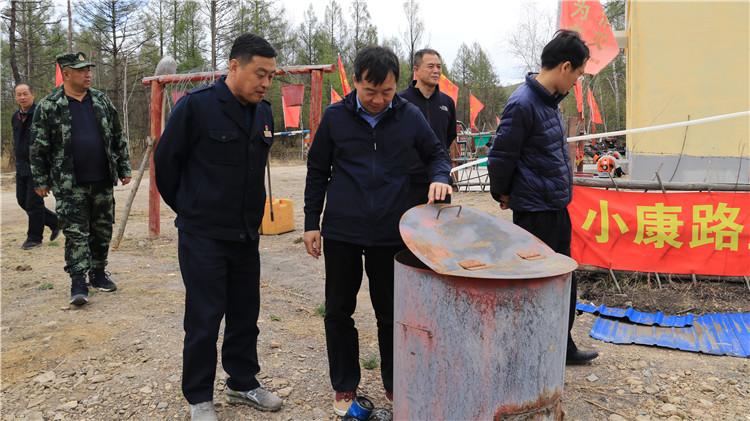 管理局森林防灭火第五督导组到吉文林业局督导检查工作