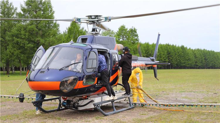 绰源林业局适时实施飞机防治森林病虫害作业