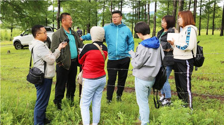 内蒙古广播电视台记者团到绰尔林业局采访