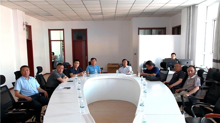 内蒙古日报社党委委员、副总编辑相恒义一行三人到林海日报社调研新媒体工作