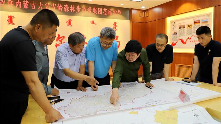内蒙古大兴安岭国家森林步道考察团到库都尔、满归林业局考察