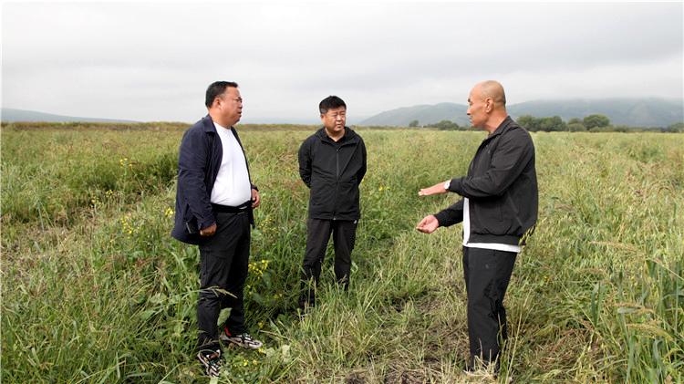 周艳昌到阿尔山林业局调研产业发展工作