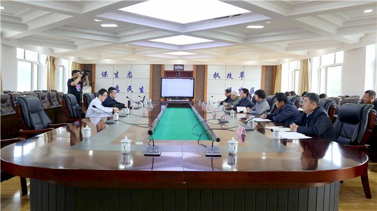 浙江省工业大学生物工程学院专家组到绰尔林业局考察洽谈