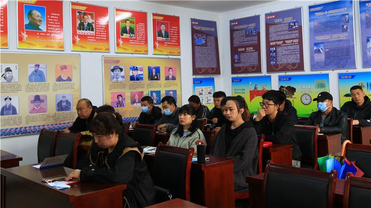 莫尔道嘎森工公司党委举办入党积极分子培训班