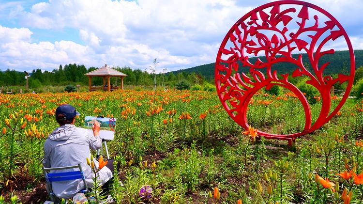 库都尔河国家湿地公园花海景观引客来