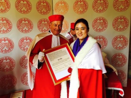 前乒乓国手刘伟获颁法国鲁拉德骑士勋章